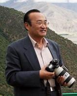 <font size=2>中国西藏信息中心总编辑、高级记者张小平</font>