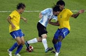Argentina routs Brazil to reach another final