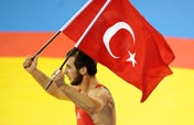 Sahin of Turkey wins men´s freestyle 66kg wrestling gold at Beijing Olympics