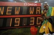 Bolt hits Beijing again in historic run