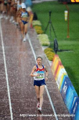 Russia's Kaniskina Olga competes during women's 20km walk final during Beijing 2008 Olympic Games in Beijing, China, Aug. 21, 2008. Kaniskina Olga finished the race in first places. (Xinhua)