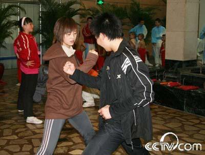 "Actors&nbsp;practice&nbsp;""fight""&nbsp;with&nbsp;each&nbsp;other"