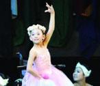 """Ballet girl""<br>  Li Yue"