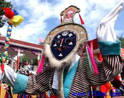 TibetanplayisanimportantculturalcomponentofTibetans'sociallife.