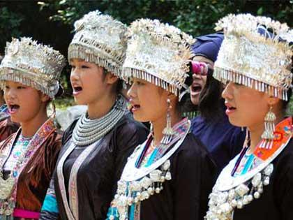 "Also called ""Galao"" the Tong grand songs, called as such because they are sung by large groups of people, are a kind of folk music that originated in the Song Dynasty"