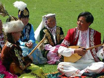 Kazak Aites is a typical folk art of the Kazak ethnic group and a contest-type performance of antiphonal singing.