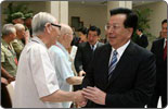 Chinese vice president meets retired officials, veteran soldiers