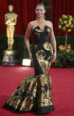 Singer Beyonce arrives at the 81st Academy Awards in Hollywood, California Feb. 22, 2009.(Xinhua/Reuters Photo)