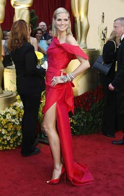 Model and actress Heidi Klum arrives at the 81st Academy Awards in Hollywood, California Feb. 22, 2009. (Xinhua/Reuters Photo)