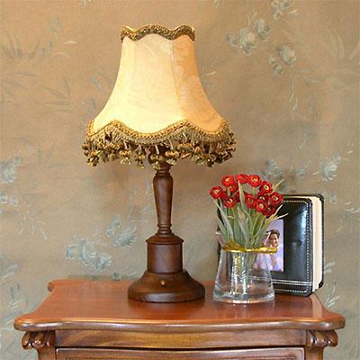 欧式风情的古典台灯