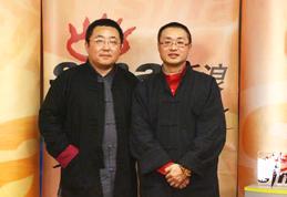周兵(右)与郭长虹(左)