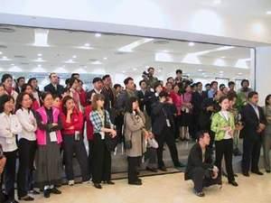 网站专稿 APEC会议最后一天 领导人服装成为焦点 -APEC 2001 会议图片
