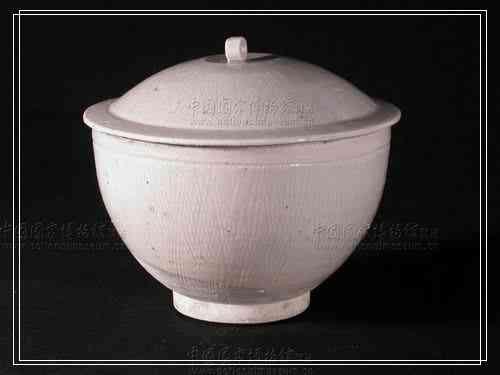德化窑白釉蓖划纹盖碗