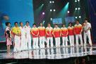 马文广率领8个奥运冠军来到现场