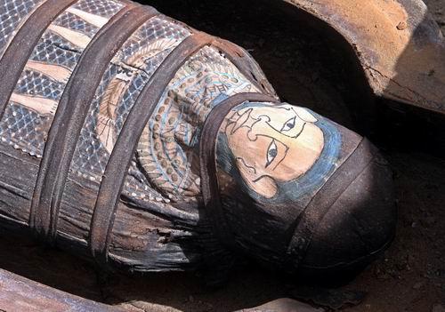 一具在埃及首都开罗附近发现的木乃伊