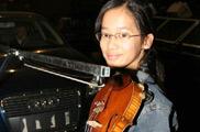 提琴是用车拉的<a href=mms://winmedia.cctv.com.cn/xiangtiaozhanma/2006/05/xiangtiaozhanma_300_20060508_1.wmv><font color=FF0000>视频</font></a>