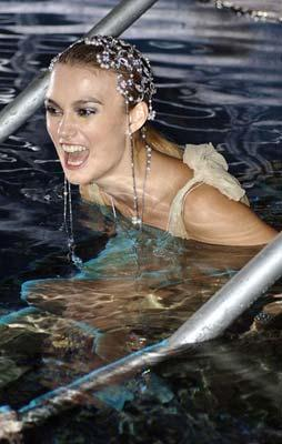 Keira Knightley took part in a photoshoot for 'Fresh 2O Campaign for Water Aid' in January. The cool shots reveal the 'Atonement' actress showing off her svelte figure while floating gracefully underwater. [Photo: gb.cri.cn]