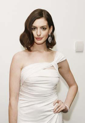 'Actress Anne Hathaway arrives at the premiere of the film