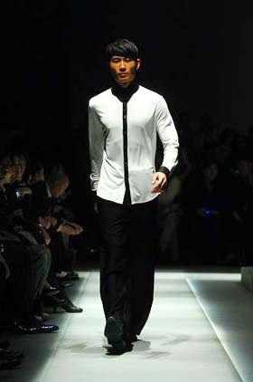 Men's leisurewear brand Notting Hill released its latest designs at a fashion show held during the ongoing China Fashion Week in Beijing on March 25, 2009. [Photo: sina.com.cn]