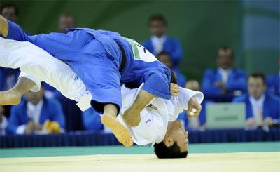 Elnur Mammadli of Azerbaijan beat South Korean Wang Kichun by ippon to take the men's 73kg judo gold medal at the Beijing Olympic Games on Aug. 11