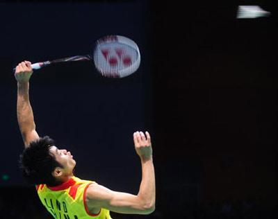 Lin Dan of China competes during the men's s singles gold medal match of the Beijing 2008 Olympic Games badminton event in Beijing, China, Aug. 17, 2008. Lin Dan won the match over Lee Chong Wei of Malaysia and got the gold medal. (Xinhua Photo)