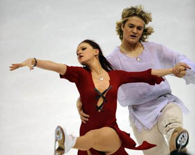 Israel's Alexandra Zaretski (L) performs with her partner Roman Zaretski during the free dance event for Ice Dancing at the 24th World Winter Universiade in Harbin, capital city of northeast China's Heilongjiang Province, Feb. 23, 2009. Alexandra Zaretski/Roman Zaretski claimed the title with a total of 177.43 points. (Xinhua/Yang Zongyou)