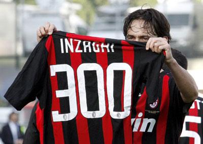 Filippo Inzaghi racked up 300 career goals as the veteran striker bagged a brace in AC Milan's 5-1 stroll at Siena on Sunday