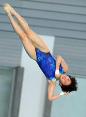 China's Chen Ruolin competes during the women's 10m platform final at the second leg of four-stop FINA Diving World Series in Changzhou, a city of east China's Jiangsu Province, on March 27, 2009. Chen claimed the title with a score of 444.05 points. (Xinhua/Yang Lei)