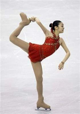 Kim Yu-na became the first South Korean to a World Championship gold in 99 years in Los Angeles, California.