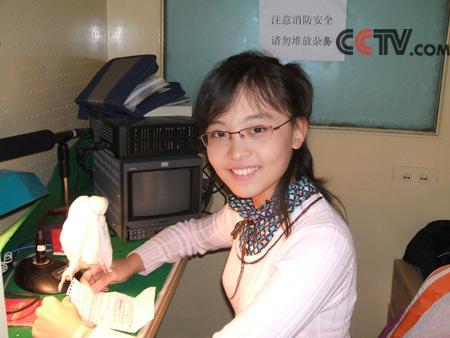 高文竹_CCTV.com-高文竹在配音间