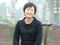 <font color=#ff7f00>《金口哨》</font>她是中国第一位职业口哨演员,也是中国第一位获得北京市特批的《口哨专业表演许可证》的农家姑娘。《金口哨》秋鸣,乡约拜访