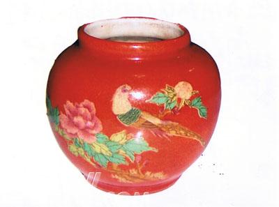 这是锦鸡,这是牡丹花,锦上添花.这就是作为喜庆的一个罐子.