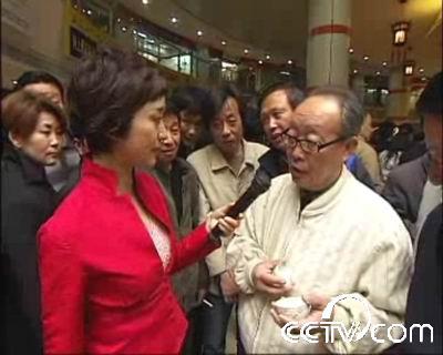 《寻宝》走进上海吸引了大批当地收藏爱好者的关注