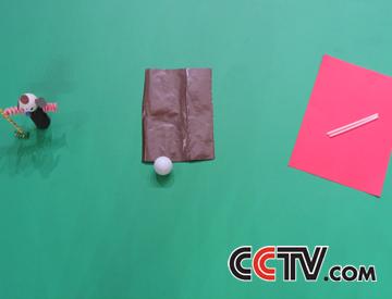 乒乓球,彩色及时贴,吸管,水彩笔,牙签,透明胶带,橡皮泥,海绵纸,强力胶