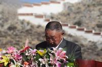 参与民主改革的干部代表、原日喀则地区江孜县委党校校长、退休干部孙焕训同志发言