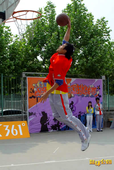 361娱乐国际平?_361o娱乐篮球云南赛区扣篮比赛精彩瞬间