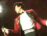 1987年费翔在《冬天里的一把火》的舞蹈动作红透80年代