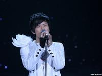 张杰晚会现场版《隐形的翅膀》