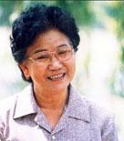 赵丽蓉表演的小品淳朴、感人,她塑造了众多可亲可爱的艺术形象。